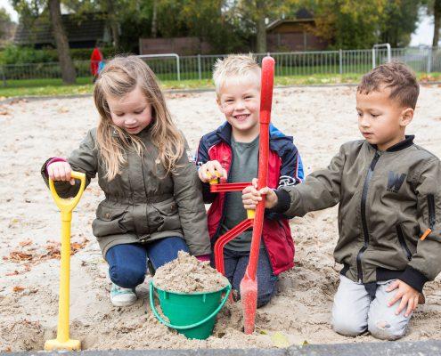 Op het schoolplein in de zandbak | Openbare Daltonschool De Duykeldam | Swifterbant
